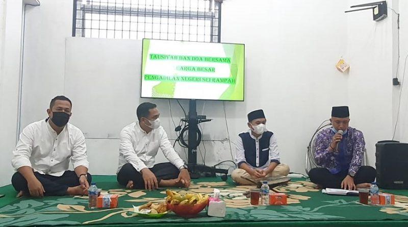 Tausiyah dan Doa Bersama Aparatur Pengadilan Negeri Sei Rampah